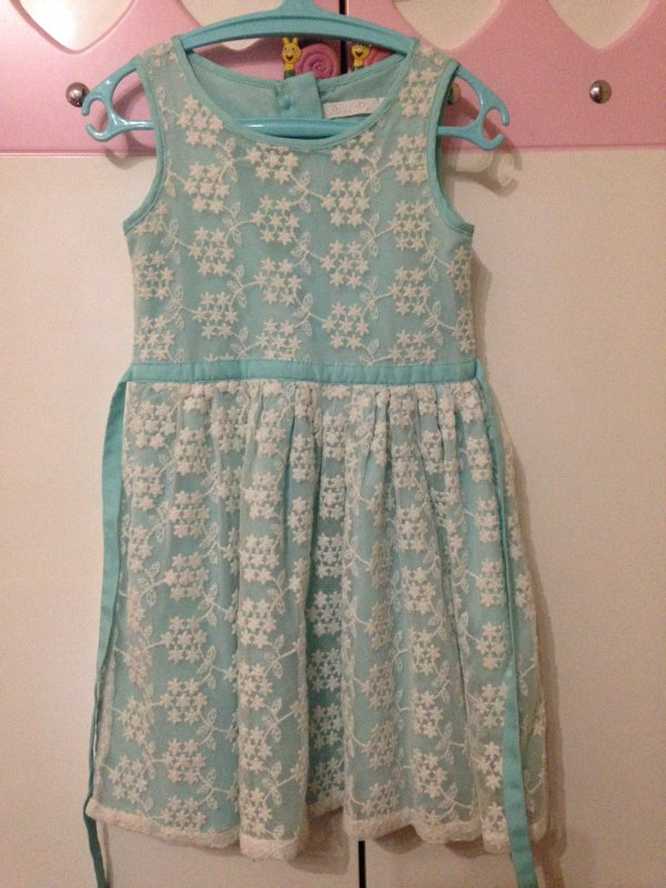 Платье cool club, оазмер 110, в идеале. Нежное кружево с узором как  снежинки. Подойдёт как платье снежинки на праздник. 2bd25e7c7e5