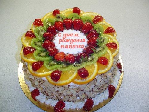 Украшение бисквитного торта фруктами