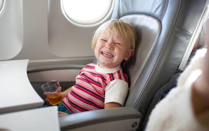 Чем занять ребенка 10 месяцев в самолете