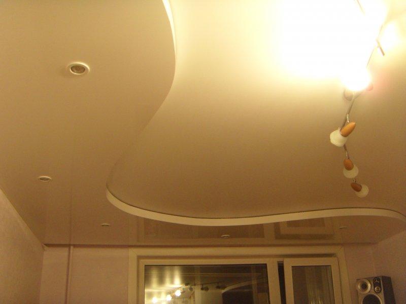 Потолок натяжной два уровня фото