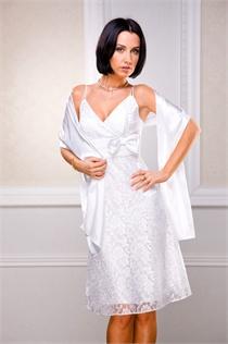 короткое спереди свадебное платье а длинное сзади.