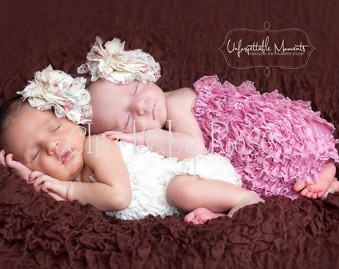 Открытка с рождением девочек близняшек