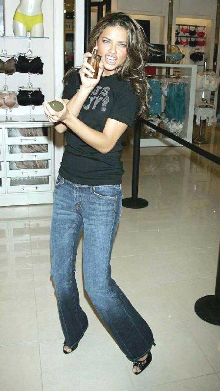 Джинсы-стрейч Early.  Разные модели джинсов 2006 года.  Все о джинсах.